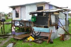 Makeshift_house_in_Nausori_Village